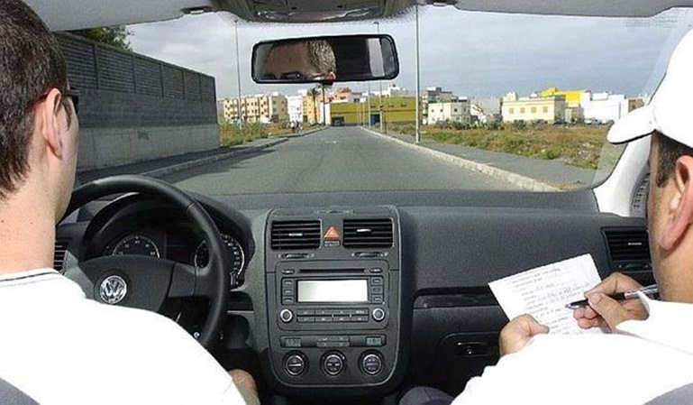 Aprueba el exámen del carné de conducir a la primera