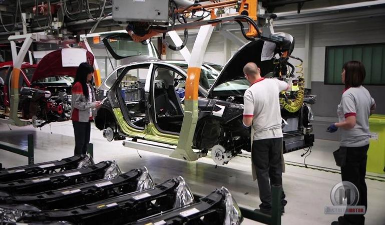 España aumenta la producción de vehículos