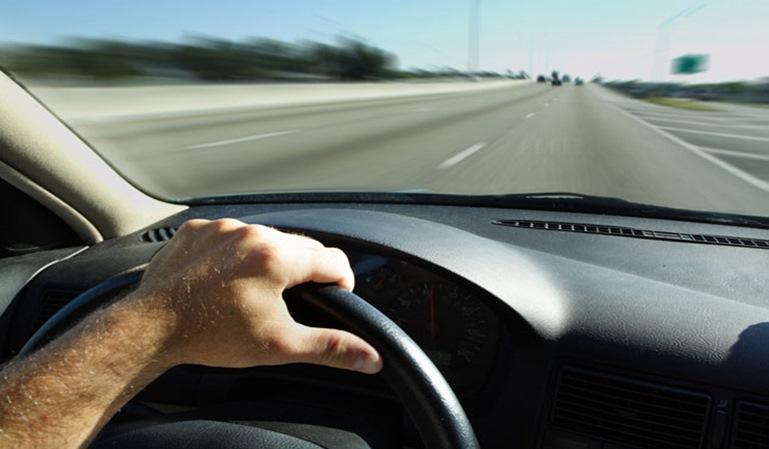9 de cada 10 conductores españoles corren en la carretera