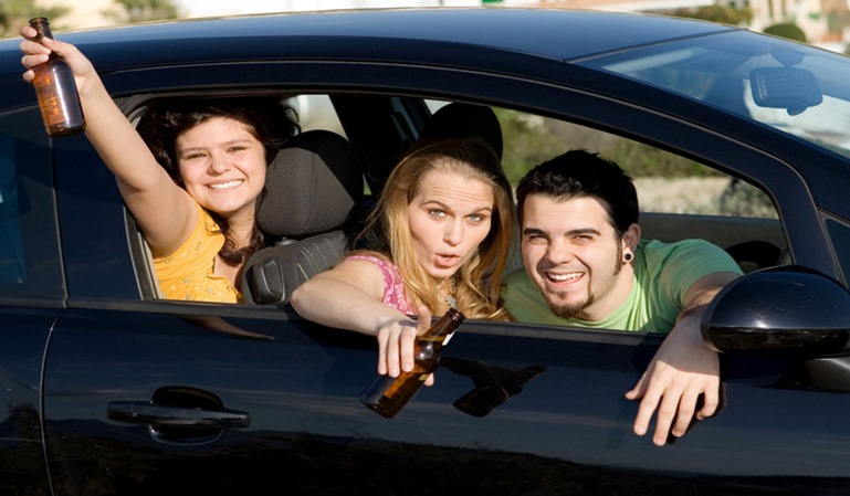 Las conductas de riesgo al volante aumenta en verano