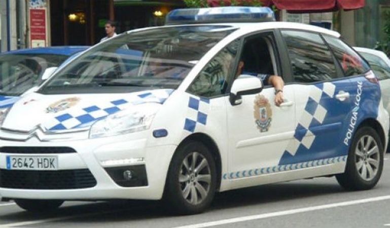 Policía suspendida por aparcar mal e intentar abusar