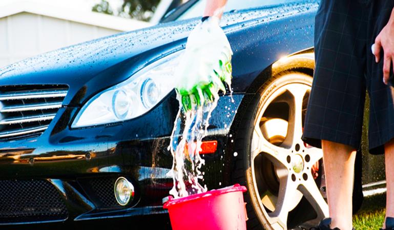 Limpiar el coche hará que te sientas mejor