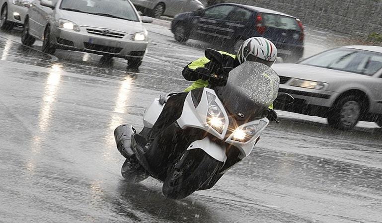 Motoristas: que no se os empañe el casco