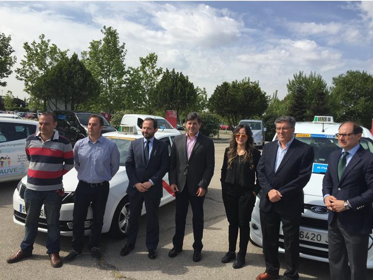 Madrid  dará  8.000 euros para taxis eléctricos
