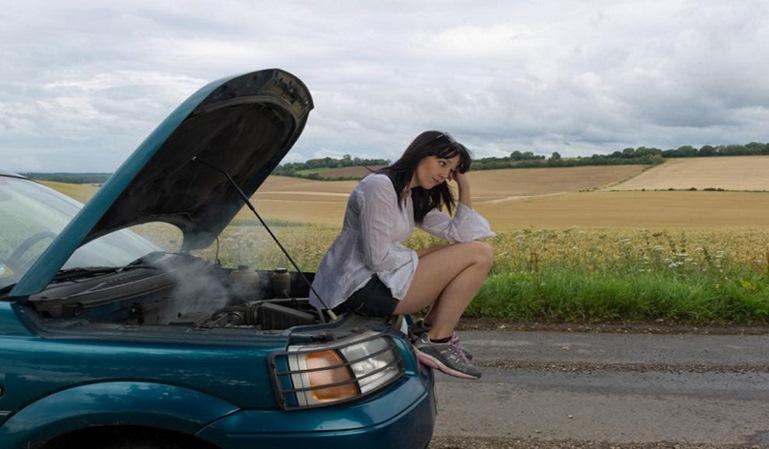 Cómo evitar el calentamiento del motor en verano