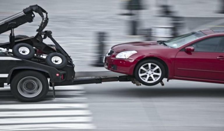 Se lleva el coche la grúa ¿cuánto me costará?