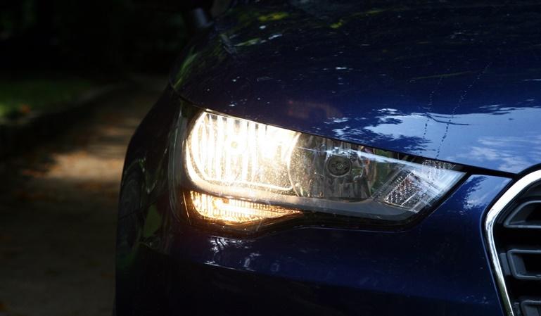 Qué luces debo utilizar en el coche