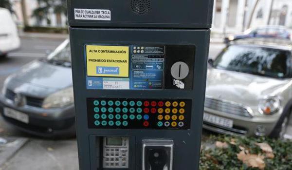 Continúa la prohibición de aparcar en zona SER