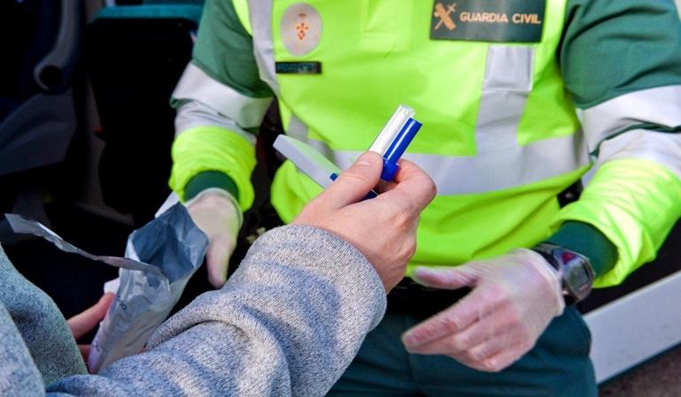 Podrían acabarse las multas por conducir con presencia de drogas