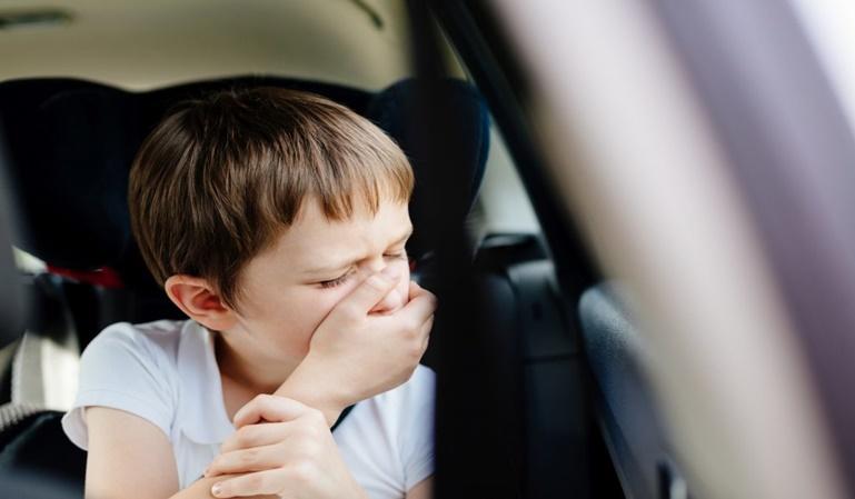 Trucos para no marearse en el coche