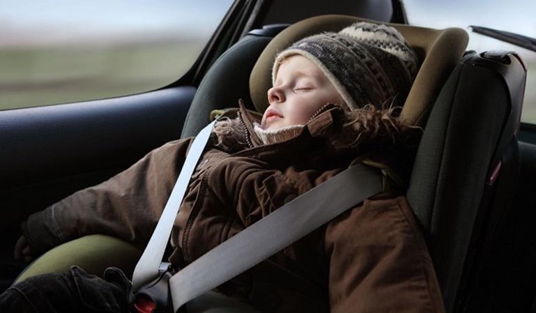 La mitad de los niños no viajan seguros