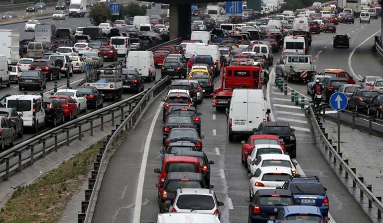 Madrid restringirá el acceso a las motos más contaminantes