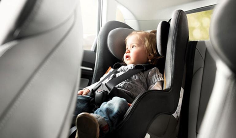 Muchos menores viajan sin sistemas de retención