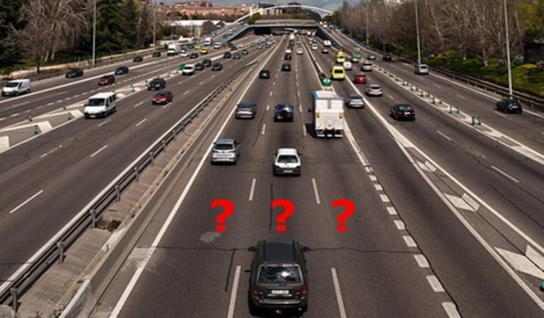 ¿Cuándo es correcto adelantar por el carril derecho?