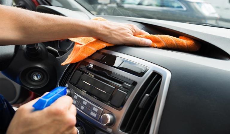 ¿Por qué debemos mantener limpio nuestro coche?