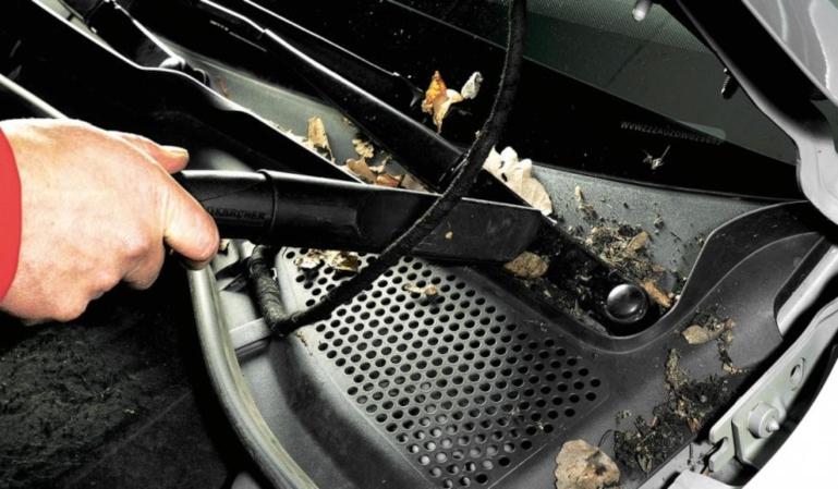 Cómo afecta la humedad a nuestro coche