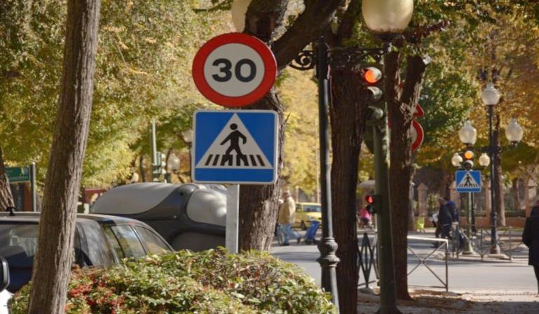 Nueva medida de la DGT: circular a 30km/h en ciudad