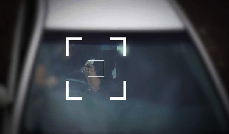 Cámaras radar: cuidado con utilizar el móvil al volante