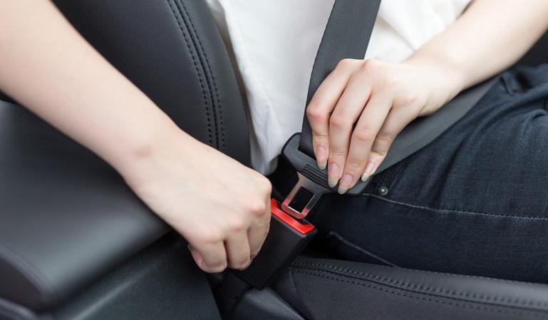 ¿Es siempre obligatorio el cinturón de seguridad?