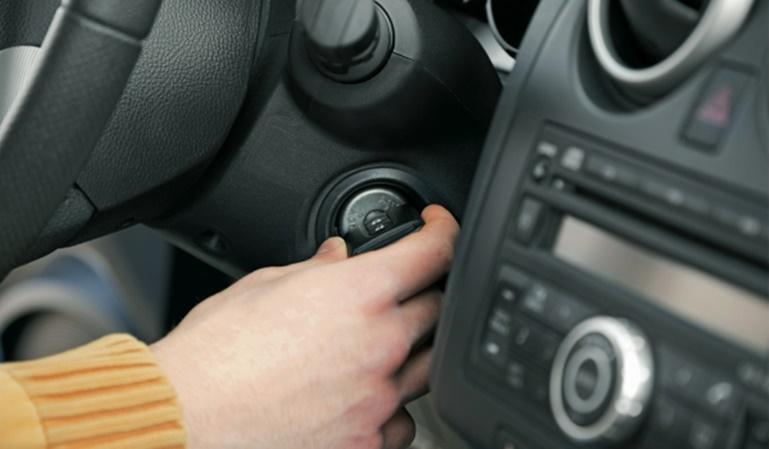 Cómo cuidar la batería del coche durante la cuarentena