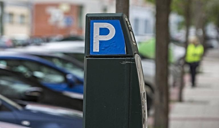 El aparcamiento en zona SER se reanuda la próxima semana