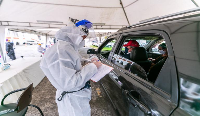 España exigirá a los conductores franceses un PCR negativo