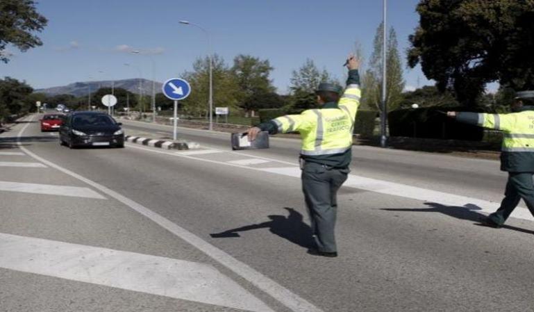 Cómo interpretar señales de los agentes de tráfico