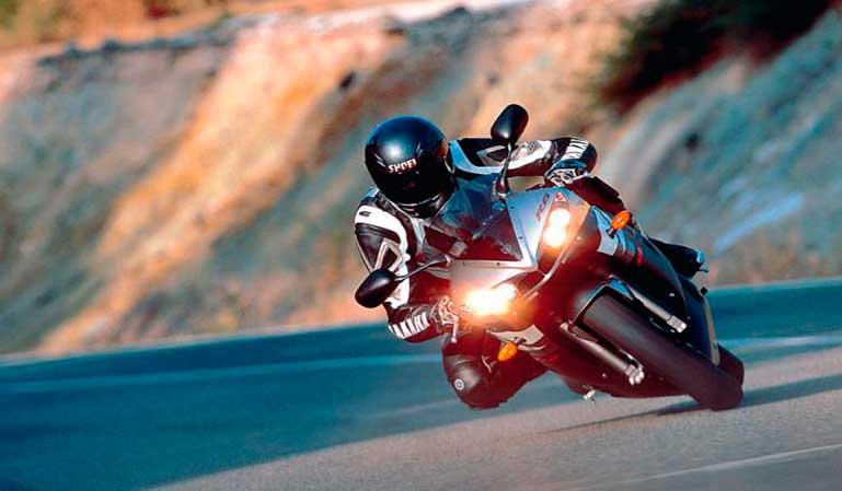 Dudas de multas en las motos con luces diurnas