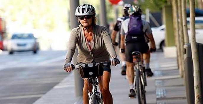 El Gobierno destierra a las bicicletas de las aceras