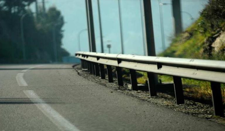 La ley de carreteras ignora los guardarraíles asesinos