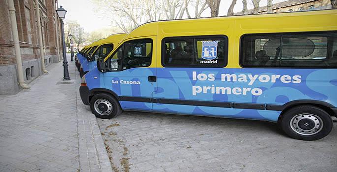 Madrid libra a los vehículos sociales de pagar parquímetros