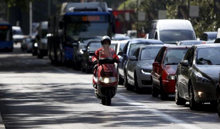 Las motos no podrán circular con alta contaminación