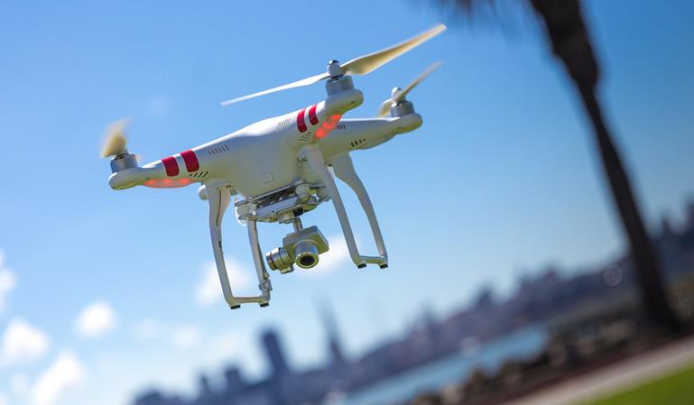 Multas de tráfico y control a través de drones