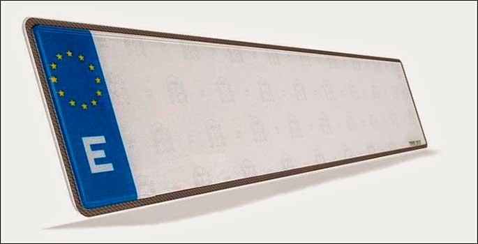 La trampa de la cinta adhesiva para trucar la matrícula, al destape