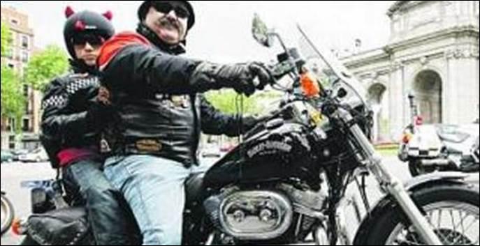 Consejos para evitar multas en moto con niños