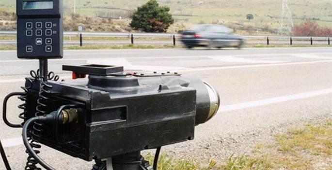 El castigo a los conductores por informar de la ubicación de los radares