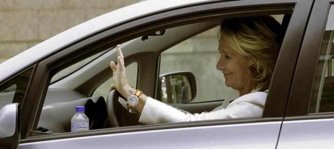 El coche de Esperanza Aguirre repite multa con los mismos agentes