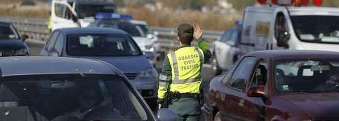 La práctica de quitar multas a amigos inhabilita a un policía
