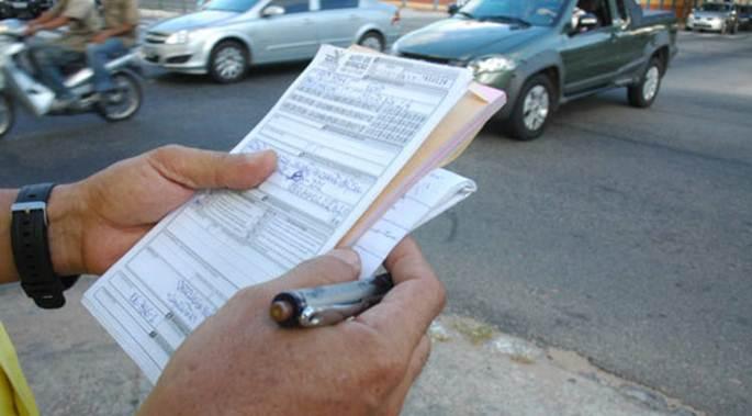 Las multas de tráfico no notificadas, la primera barrera contra una defensa