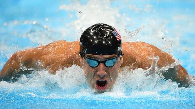 Michael Phelps pillado ebrio y duplicando la velocidad permitida