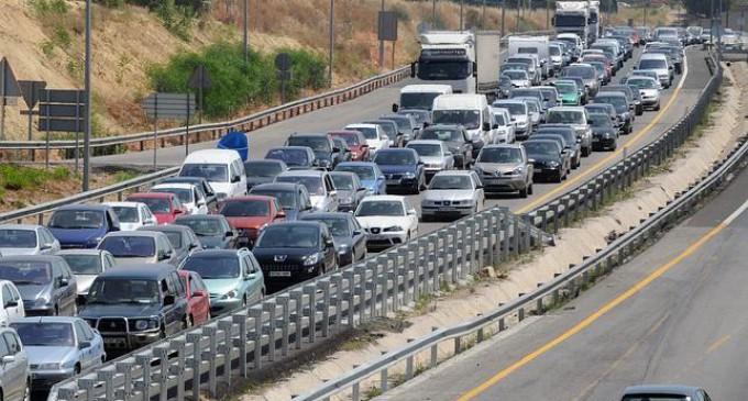 Tráfico extrema precauciones con la llegada del puente de Agosto